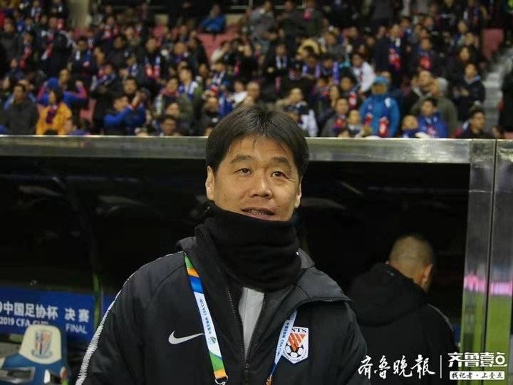 足协杯鲁能痛失冠军,主帅李霄鹏暗示下赛季并非一定执教鲁能