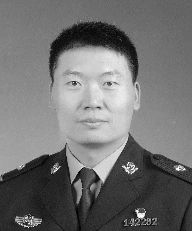送别!济南籍37岁民警牺牲,刚结束与家人长期分居的生活