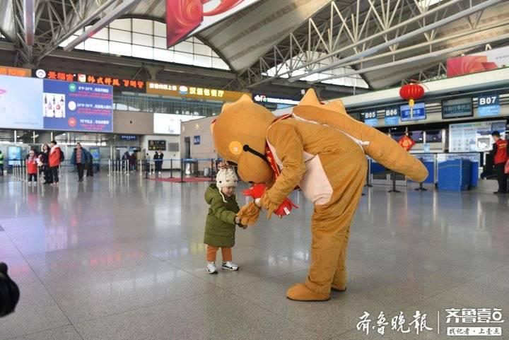 提醒:微信可办值机手续!青岛机场春运十天送客72.4万人次