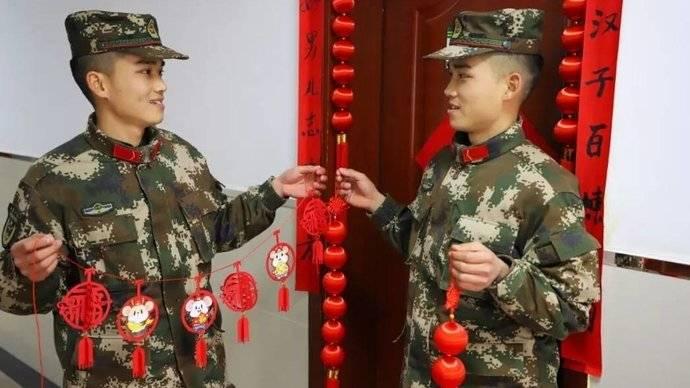 新春走基层:双胞胎兄弟第一次在军营过春节