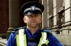 """英国一名警察一年认出406名通缉犯,锐利""""鹰眼""""还不止他一个"""