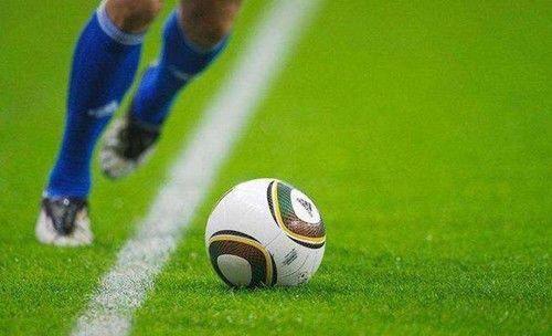 美国世界杯上,他失误踢进1个乌龙球