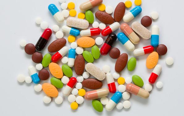 三成常用药价格上涨,如何保供稳价?国家医保局答复多份提案