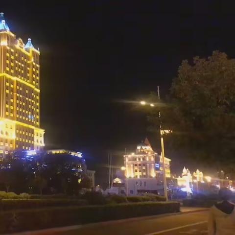 滿洲里的夜晚很美。