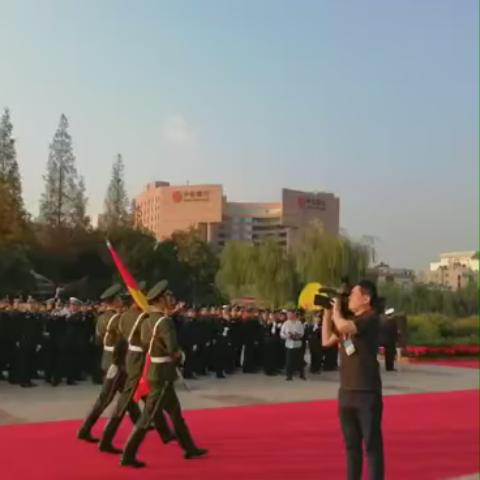 泉城广场升旗仪式