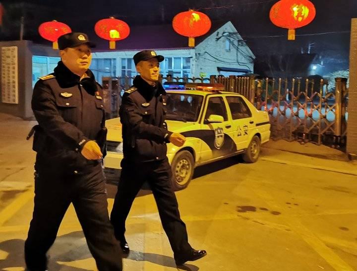 """""""小年""""夜济南天桥区启动一级禁放管控,民警深入社区巡查"""