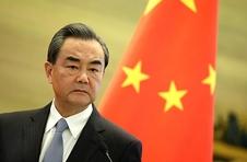 王毅同伊朗外长通电话:敦促美方不要滥用武力