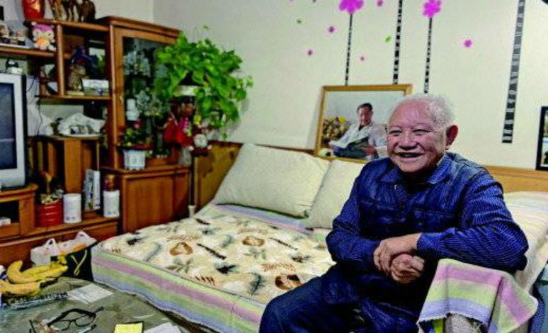 """""""医生我还没干够"""",济宁87岁仁医二次退休,下班视频感动网友"""
