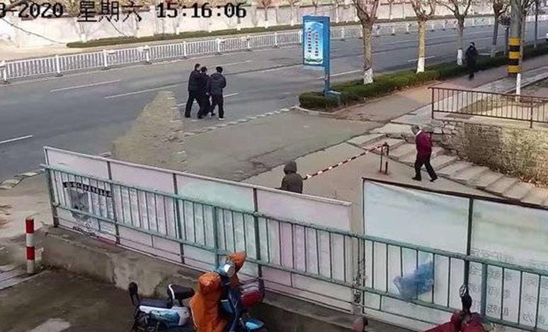 """济南民警""""火眼金睛"""",一眼认出诈骗犯,上演街头抓捕大片"""