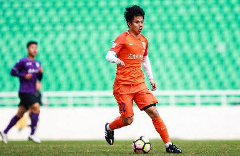 鲁能助教:中国硬件设施堪称顶级 球员稳定性尚待提高