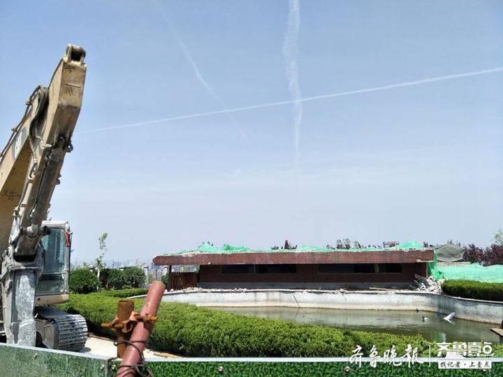 5年前曾上问政节目,济南洪山公园顶的违章建筑终于拆了