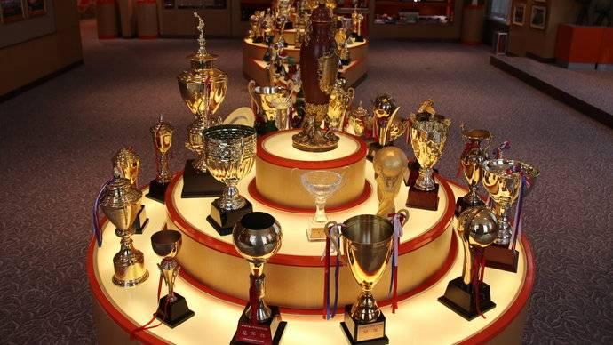 果然视频丨鲁能荣誉室琳琅满目,百余个奖杯,你能认出哪些?