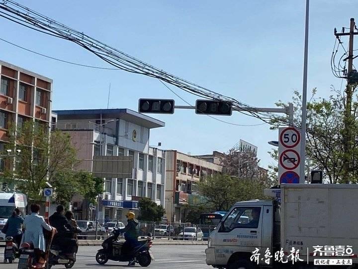 @泰安市民注意,这些路口红绿灯临时停电,来往车辆请谨慎慢行