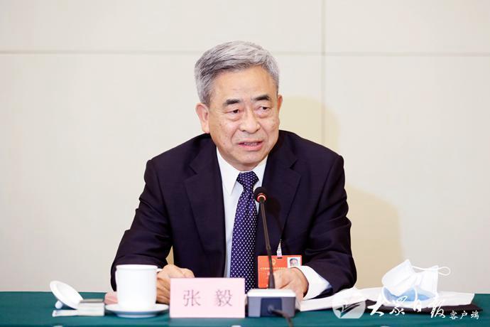 山东代表团举行全体会议审议政府工作报告 王勇出席并发言 刘家义主持 李干杰出席